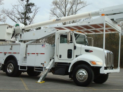 2007 Peterbilt 335 Bucket Truck for sale