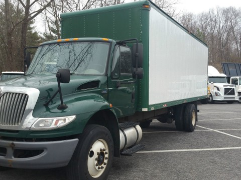 2009 International 4400 Box Truck for sale