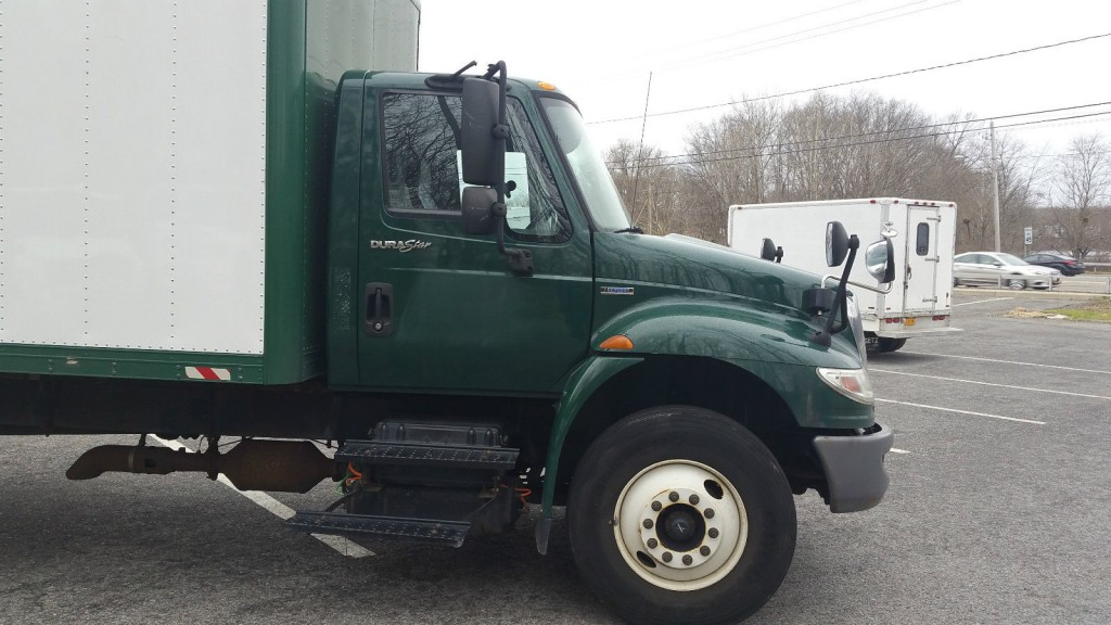 2009 International 4400 Box Truck