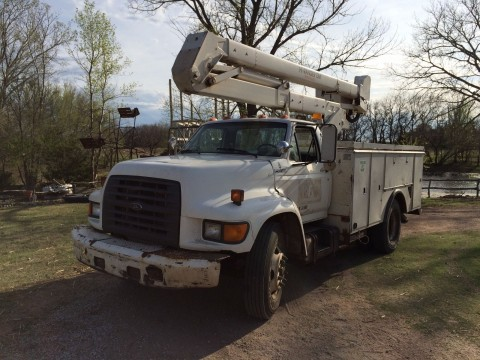 1997 Ford F700 Bucket Truck Cummins Diesel Utility Bed for sale