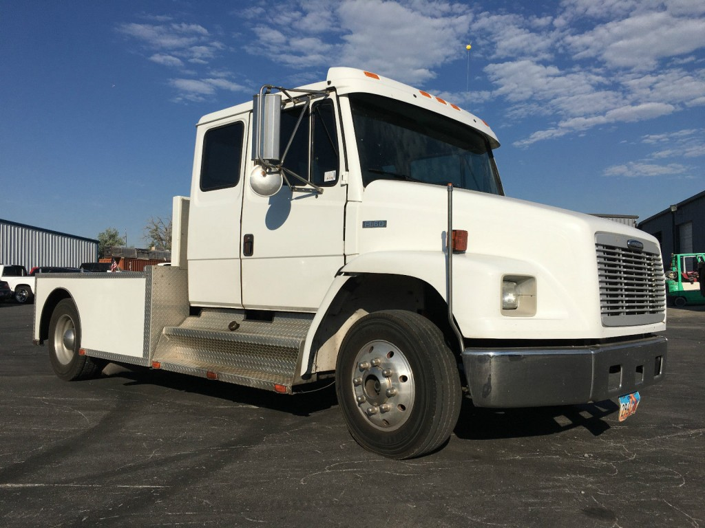 2002 Freightliner Fl60 Extended Cab Truck For Sale