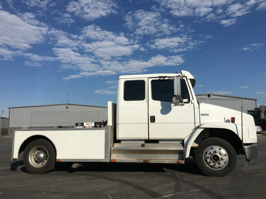 freightliner extended cab