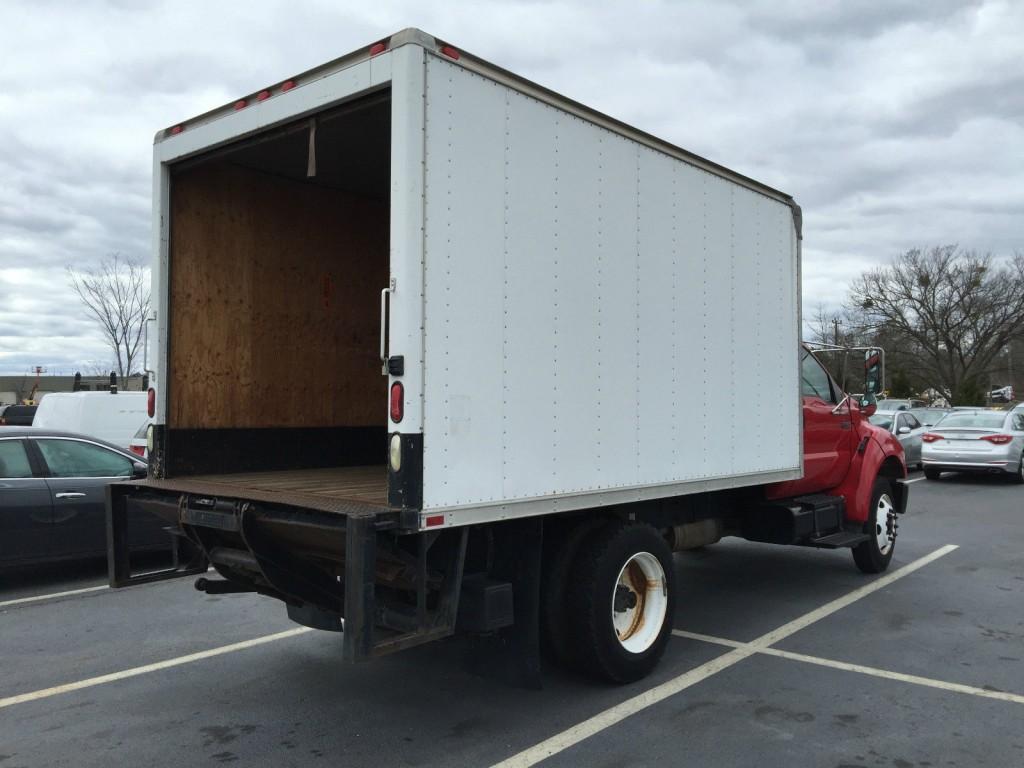 2005 Ford F-750 Box Truck