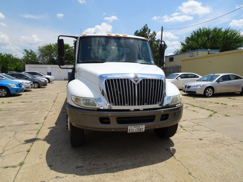 2005 International 4400 Flatbed Truck for sale