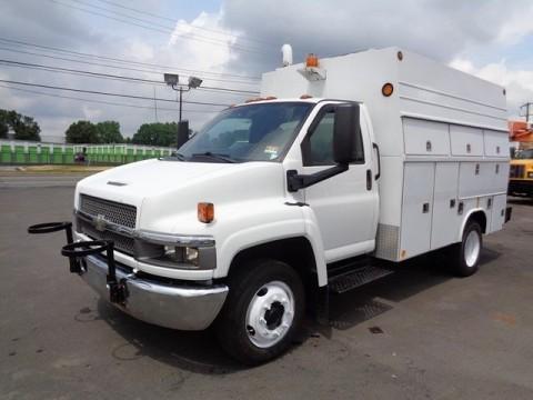 2006 Chevrolet W4500 Isuzu Box Truck Diesel for sale