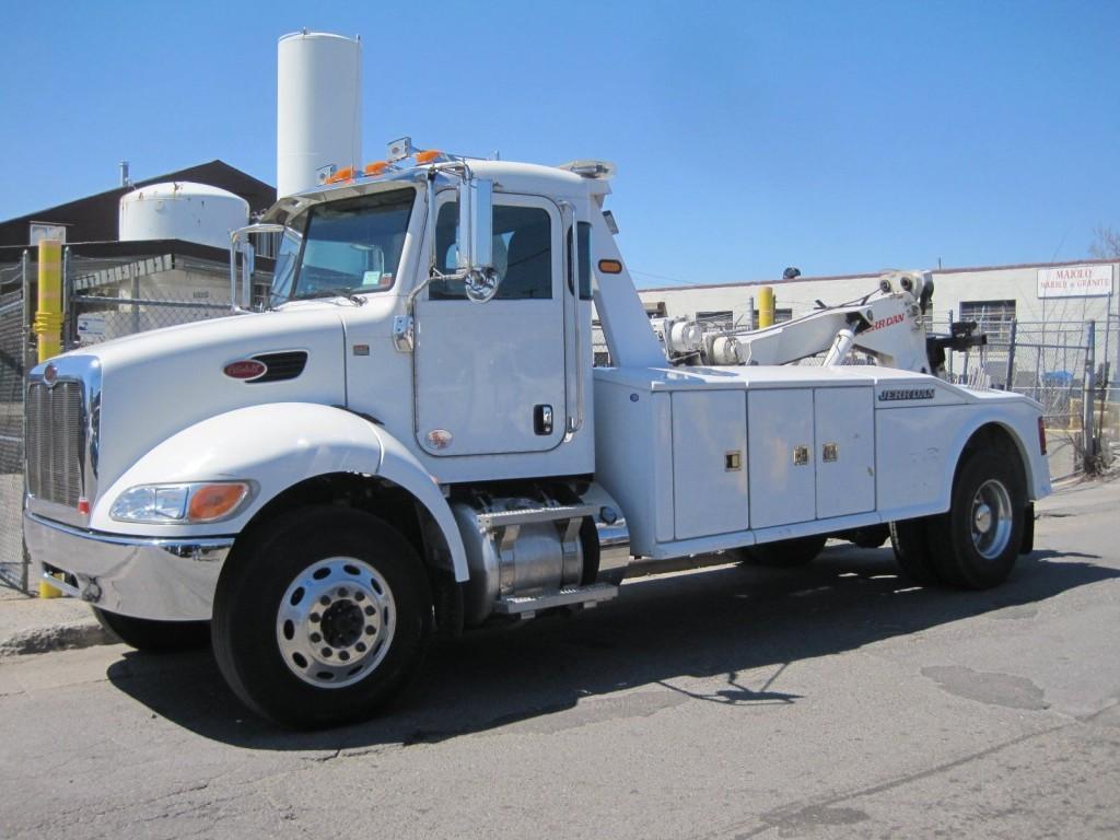 2012 Peterbilt 330 Tow Truck for sale