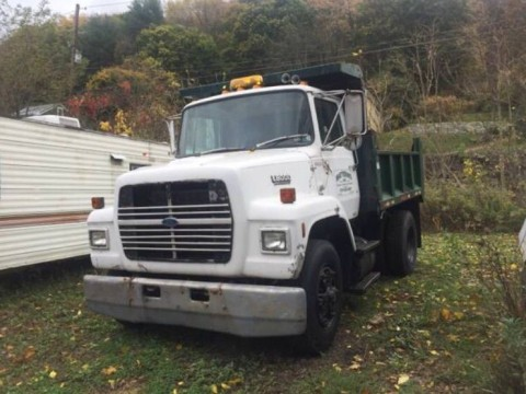 1990 Ford L8000 truck for sale