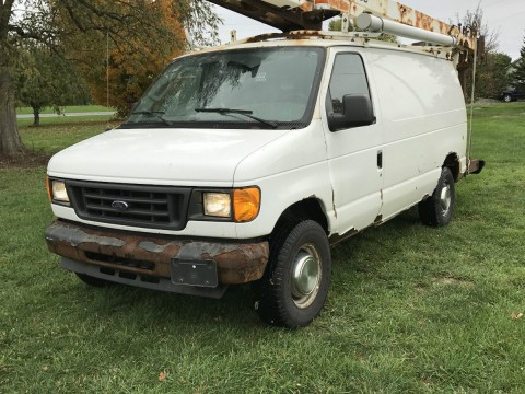 2005 Ford E350 truck for sale