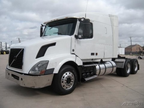 2005 Volvo VNL630 truck for sale