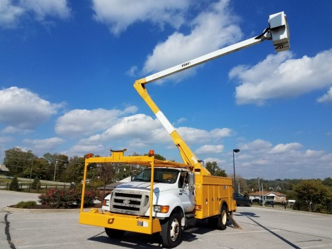 2008 Ford F750 truck for sale