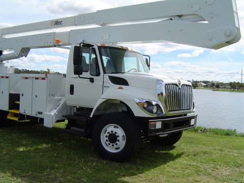 2009 International 7400 Bucket Truck 82 FT truck for sale