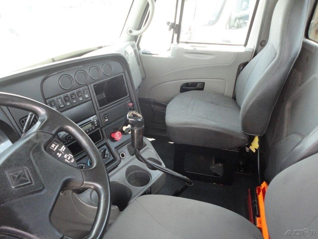 2009 International Pro Star truck