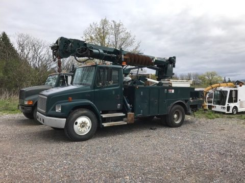 Crane deck 1999 Freightliner mechanic truck for sale