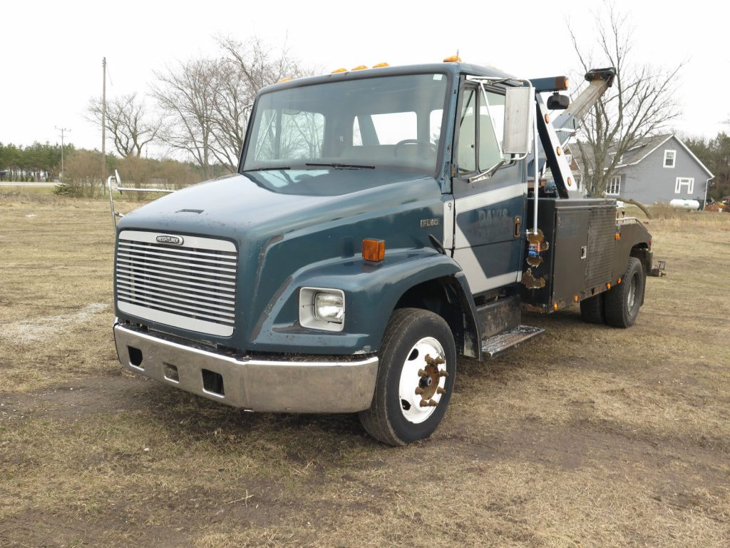 Great running 1998 Freightliner FL60 truck