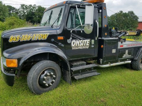 Great wrecker 1996 International 4700 LP truck for sale
