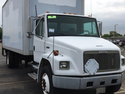 Lift gate 1998 Freightliner FL70 truck for sale