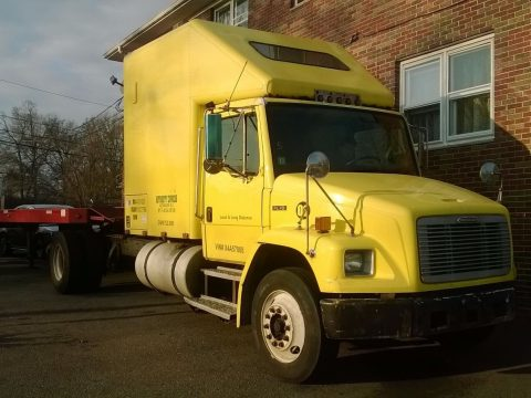 Rebuilt engine 1998 Freightliner truck for sale