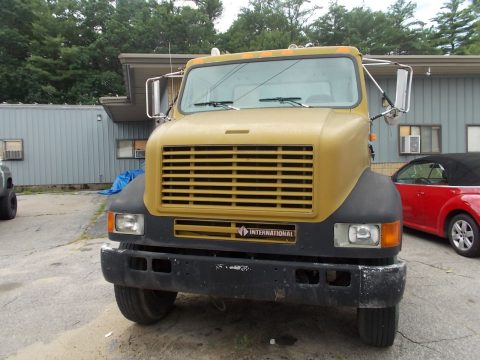 Runs great 1998 International 8100 truck for sale
