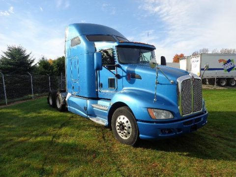 clean 2011 Kenworth T660 truck for sale