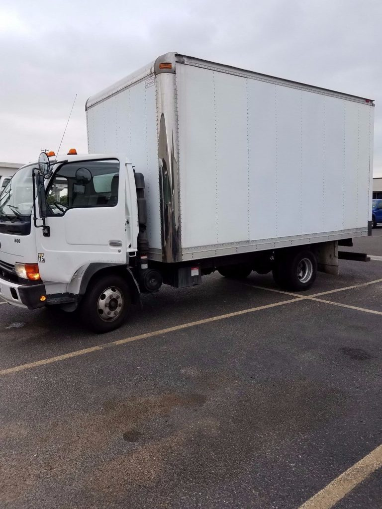 Needs Paint 2004 Nissan Ud1400 Truck For Sale
