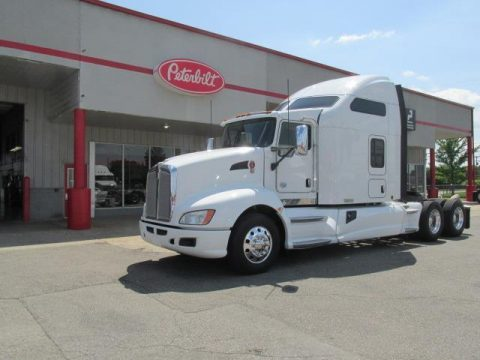clean 2014 Kenworth T660 truck for sale