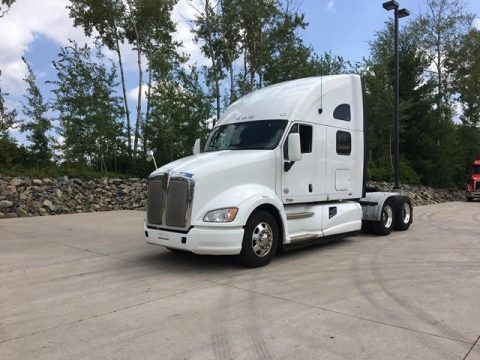 comfortable 2013 Kenworth T700 truck for sale