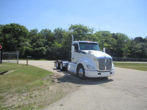 decent miles 2014 Kenworth T680 truck for sale