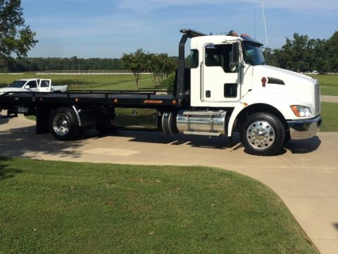 fully loaded 2016 Kenworth truck for sale