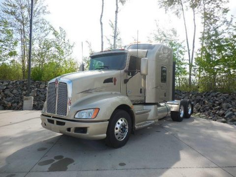 nice paint 2014 Kenworth T660 truck for sale