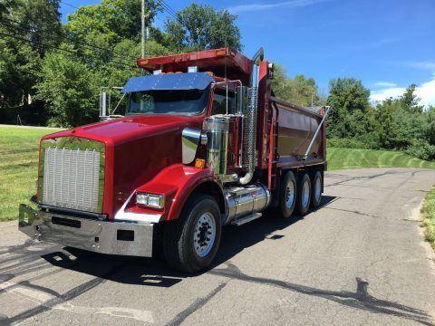 tri axle 2014 Kenworth T800 dump truck for sale