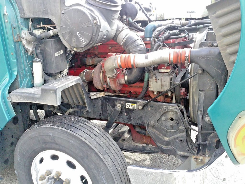 great condition 2008 Peterbilt 387 truck