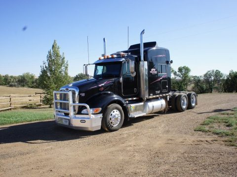well maintained 2006 Peterbilt 386 truck for sale