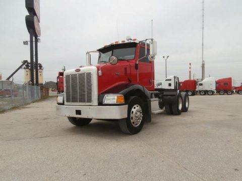 well maintained 2007 Peterbilt 385 truck for sale