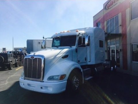 clean 2012 Peterbilt 386 truck for sale