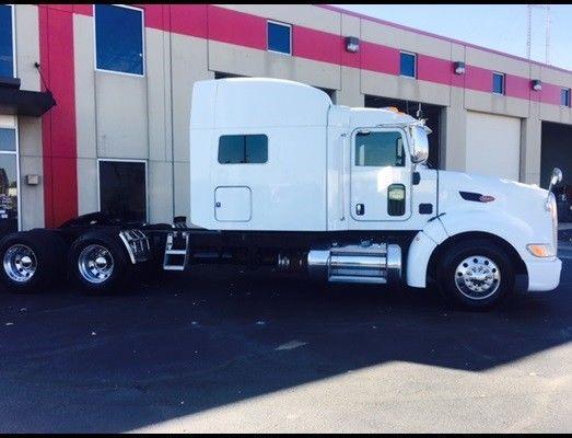 clean 2012 Peterbilt 386 truck