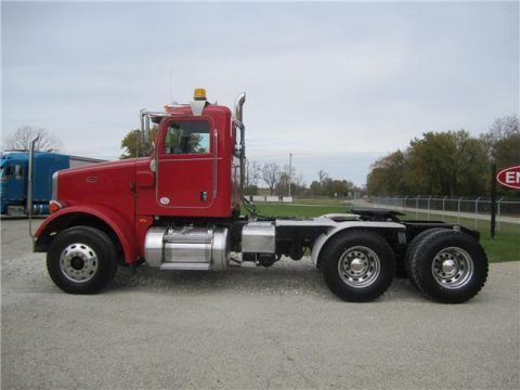 clean 2013 Peterbilt 365 truck for sale