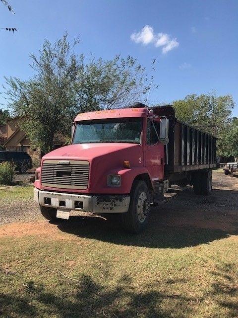 dump truck 1997 Freightliner FL70 truck