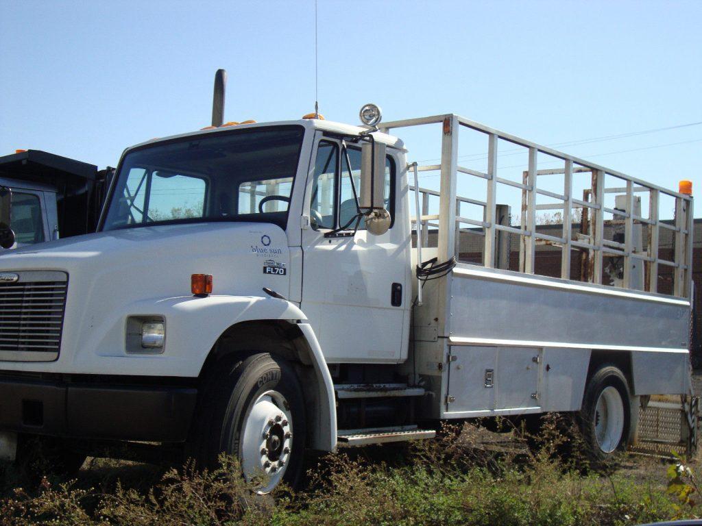 Lift Gate 1997 Freightliner truck