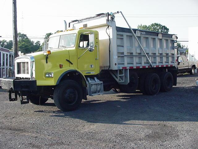 plow equipped 1998 Freightliner DUMP truck