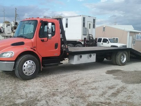 fully operating 2005 Freightliner M2 106 Flatbed Truck for sale