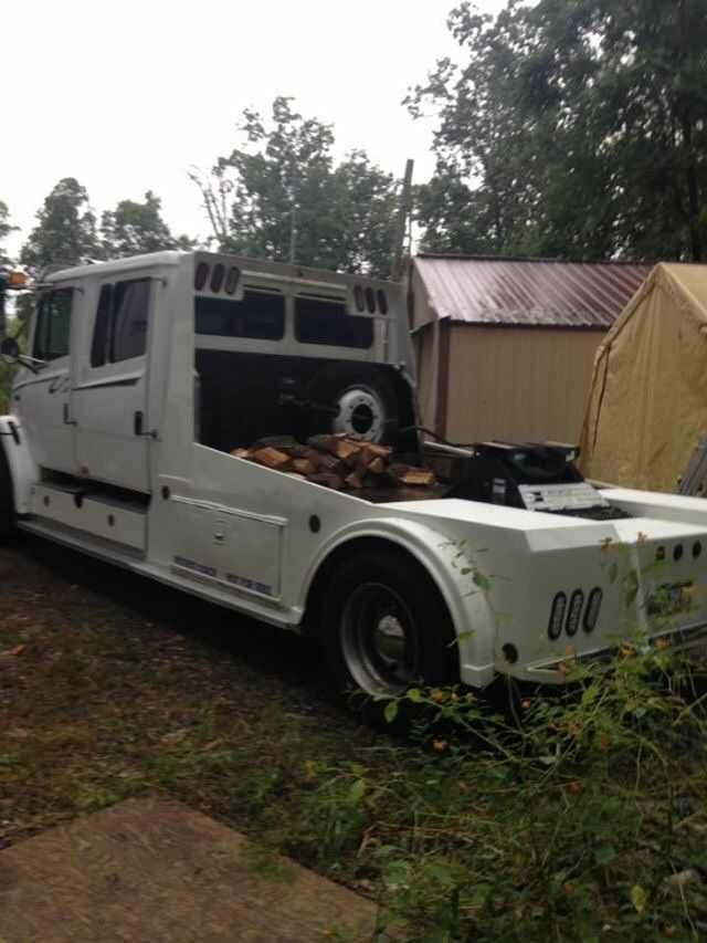 sport chassis 2000 Freightliner truck