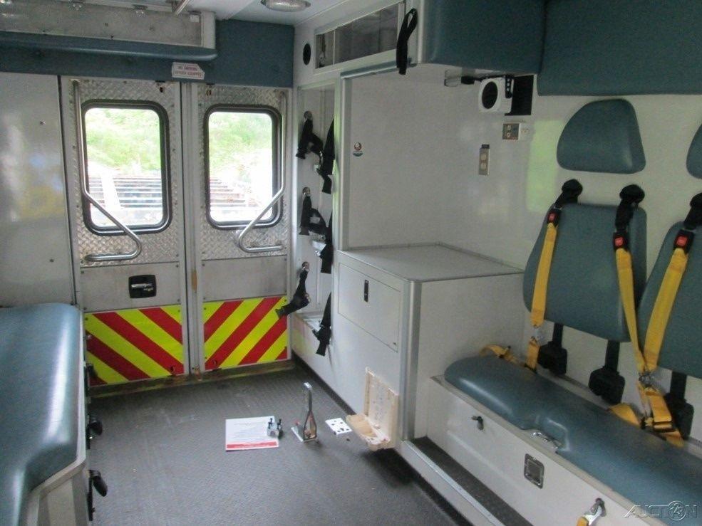 ambulance 2010 Freightliner M2 truck