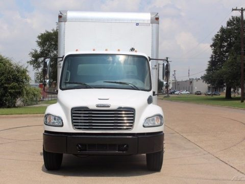 good shape 2009 Freightliner m2 24 foot box truck for sale