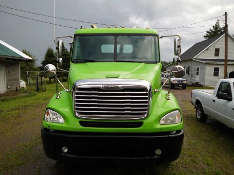 very nice 2005 Freightliner Columbia truck for sale