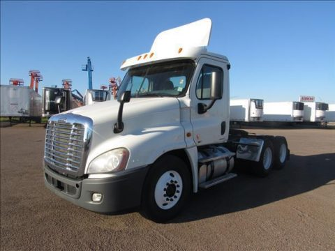 fresh oil change 2011 Freightliner Cascadia truck for sale
