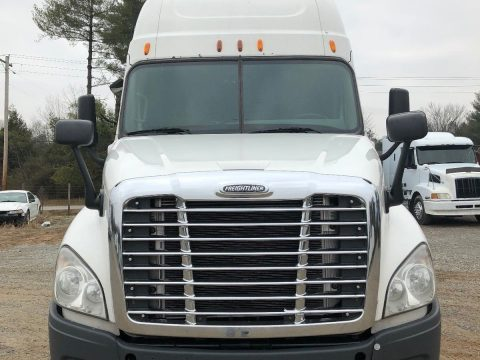 reliable 2012 Freightliner CASCADIA truck for sale