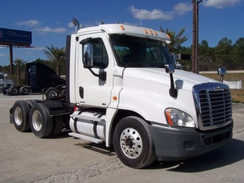 very clean 2011 Freightliner Cascadia CA125 truck for sale