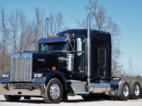 road ready 2007 Kenworth W900L truck for sale