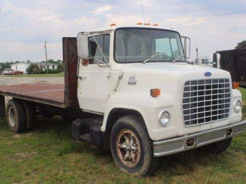 Flatbed 1984 Ford L600 truck for sale
