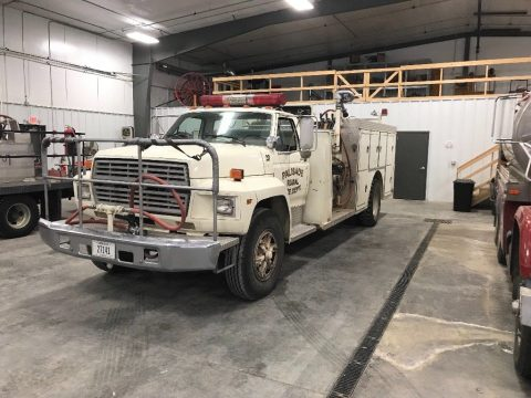 good shape 1986 Ford F800 fire truck for sale